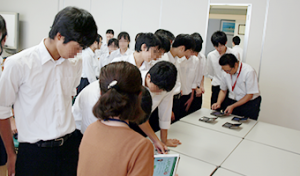 株式会社ワコムアイティ 松江商業高校企業見学の様子2
